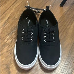 H&M black classic lace up sneakers